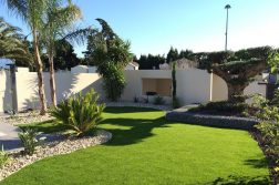 beau jardin gazon synthétique